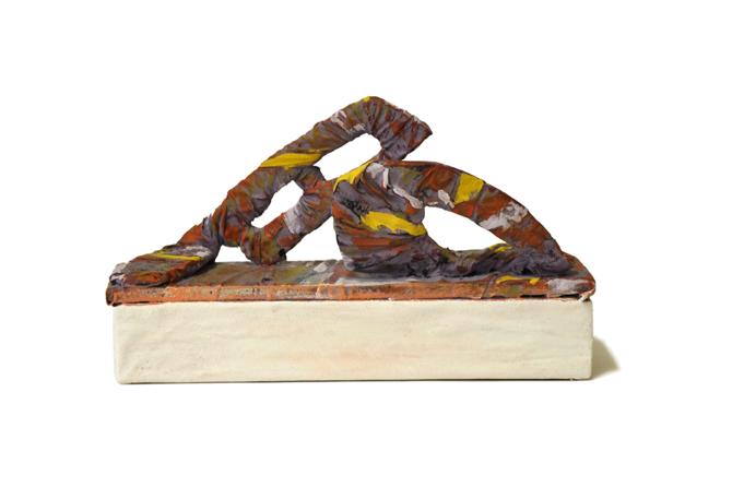 scultura resina ,cartone,25x10x15cm